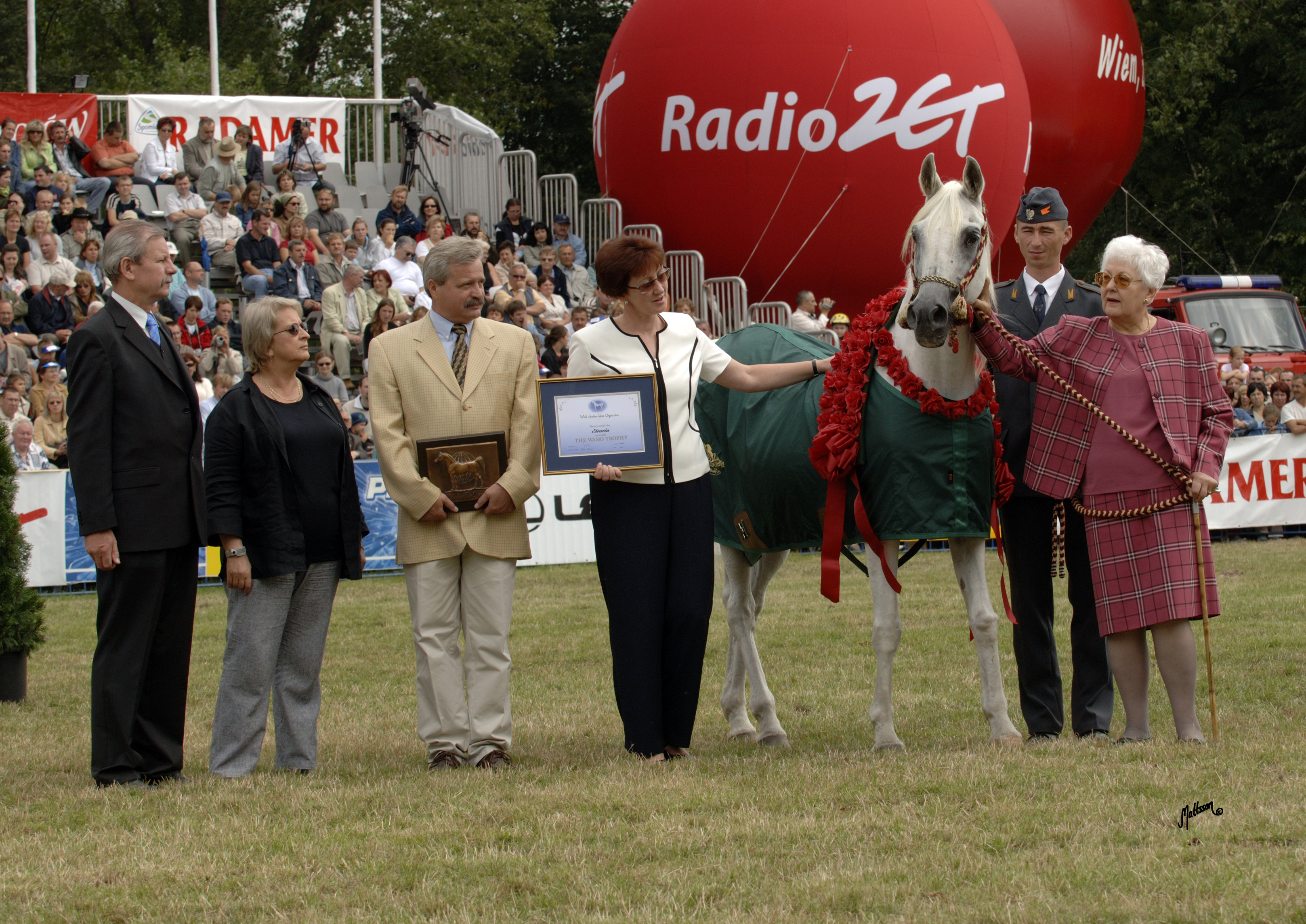 Etruria in 2005 as the first WAHO-trophy recipient in Poland, here with Director Marek Trela, breeding manager Anna Stefaniuk, Izabella Pawelec-Zawadzka and Piotr Dwojak
